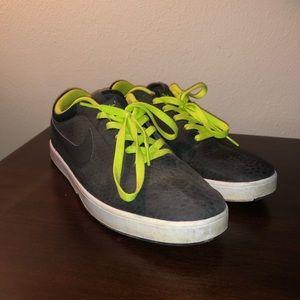 Nike sb sneakers lightly worn